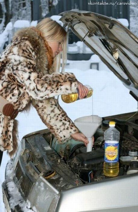 Авто девушки моют автомобили toyota gt