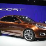 Новый автомобиль Ford Escort.